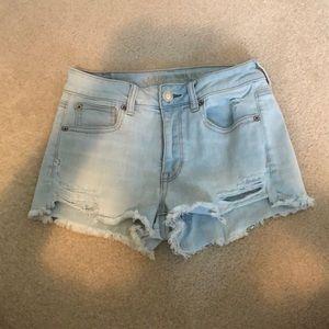 American Eagle Size 4 light wash jean shorts